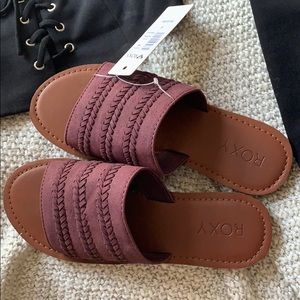 BRAND NEW roxy sandals!